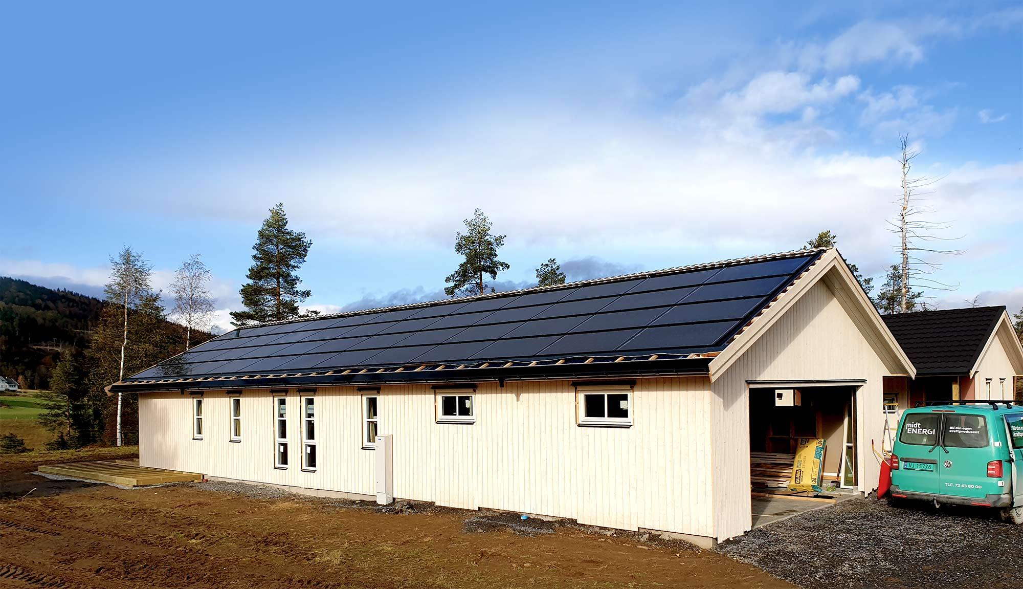 Soltak med integrerte solceller